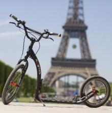 Koloběžka v Paříži